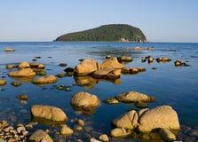 2块海岛石头 免版税库存照片