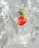 2块玻璃草莓 库存照片