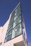 2壁角玻璃办公室 免版税库存照片