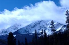2多雪的山 库存照片
