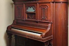 2好白人老钢琴tonk 免版税库存图片