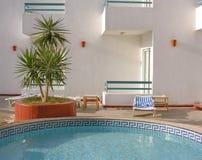 2家旅馆池水 库存照片