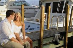 2对夫妇码头 免版税图库摄影