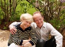 2对白种人夫妇前辈 免版税库存照片