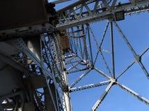 2座桥梁塔 免版税库存照片