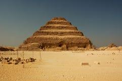 2座金字塔步骤 免版税库存图片
