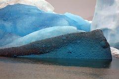 2座阿拉斯加冰山 库存图片