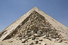 2弯曲的金字塔 免版税库存照片
