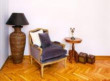 2把扶手椅子葡萄酒 图库摄影