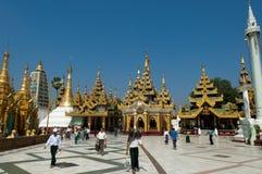 2月25日节日缅甸shwedagon仰光 免版税图库摄影