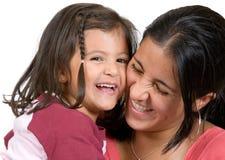 2有的女孩她的笑妈咪 库存图片