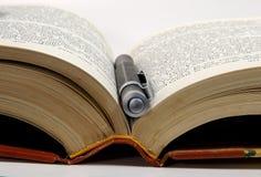 2本书笔 免版税库存图片