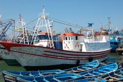 2条小船essaouria捕鱼 免版税库存图片