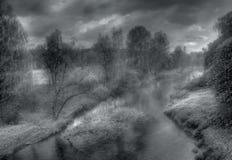 2条有雾的河俄国 免版税库存图片