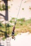 2条橡皮筋跳接器 免版税库存照片