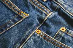 2条蓝色牛仔裤 免版税库存照片