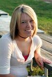 2白肤金发的室外微笑的表妇女 库存照片
