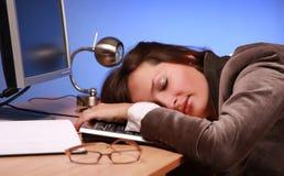 2睡着的女实业家 免版税库存图片