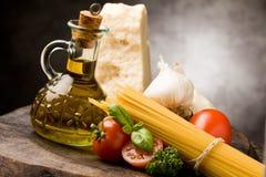 2种成份意大利人意大利面食 免版税库存图片
