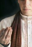 2给穿衣的印第安人平安传统 库存图片
