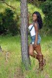 2美丽的倾斜的杉树妇女 免版税库存照片