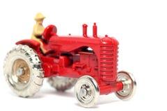 2辆汽车哈里斯massey老玩具拖拉机 库存图片