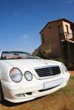 2辆汽车婚礼 图库摄影