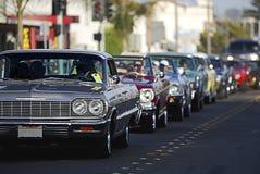 2辆汽车经典巡航 免版税图库摄影