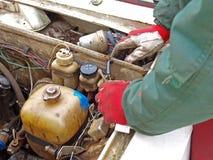 2辆汽车老修理 库存图片