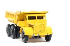 2辆汽车转储euclid老玩具卡车 库存照片