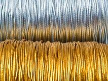 2金银色线程数 库存图片