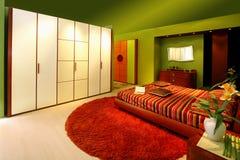 2间卧室绿色 免版税库存图片