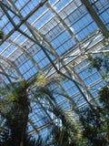 2间温室s天空视图 库存图片