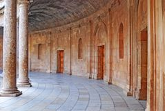 2阿尔汉布拉中央庭院 库存照片