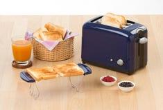 2面包多士炉 免版税库存照片