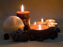 2 αρωματικά κεριά στοκ εικόνα με δικαίωμα ελεύθερης χρήσης
