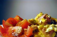 2 αυγά που ανακατώνονται Στοκ Φωτογραφίες