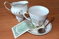 2 $ για το τσάι Στοκ Φωτογραφία