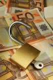 2 ευρώ ξεκλειδώνει τον πλ& Στοκ Εικόνα
