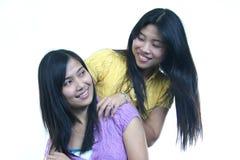 2 κορίτσια ευτυχή στοκ φωτογραφίες με δικαίωμα ελεύθερης χρήσης
