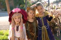 2 κορίτσια κοστουμιών Στοκ φωτογραφία με δικαίωμα ελεύθερης χρήσης