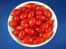 2 ντομάτες σταφυλιών Στοκ Φωτογραφίες