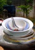 2 πιάτα άπλυτα Στοκ φωτογραφία με δικαίωμα ελεύθερης χρήσης