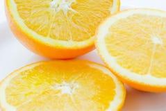 2 πορτοκαλιές φέτες πιάτων Στοκ Φωτογραφία