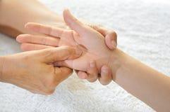 2 σειρές reflexology χεριών στοκ φωτογραφία με δικαίωμα ελεύθερης χρήσης