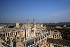 2 όλο το πανεπιστήμιο ψυχών της Οξφόρδης κολλεγίων στοκ εικόνα με δικαίωμα ελεύθερης χρήσης