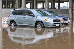 2 автомобиля припаркованного в глубоководье Стоковые Изображения