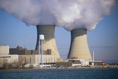 2 атомные электростанции Стоковая Фотография