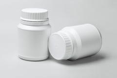 2 белых пластмасового контейнера Стоковая Фотография RF