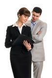 2 бизнесмены смотря документы Стоковая Фотография RF